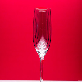 Champagne Soldiers by Michael Holser - Artistic Objects Glass ( soldiers, red, champagne, flute )