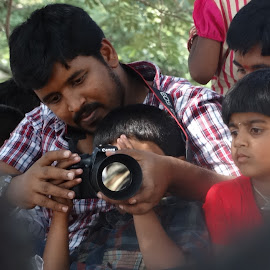 Zoom by Stephen Dsouza - People Street & Candids ( curious, children, photography )