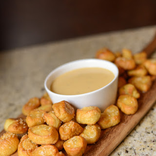 Cheddar and Beer Pretzel Dipping Sauce