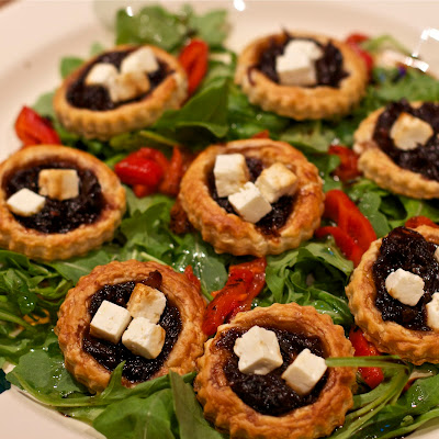 Caramelised Red Onion Tartlet Salad with Apetina