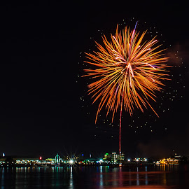 Baton Rouge 4th of July Fireworks by Sheldon Anderson - News & Events Entertainment ( water, baton rouge, 4th of july, fireworks, night, cityscape,  )