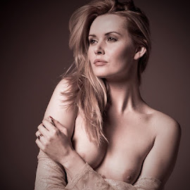 One more from Saturday shoot with Carla Carla Monaco, hope u like. by Chris Harrison - Nudes & Boudoir Artistic Nude