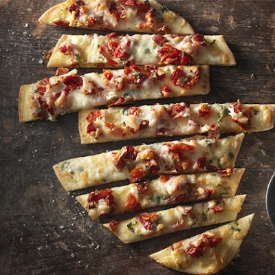 Sun Dried Tomato and Manchego Flatbread