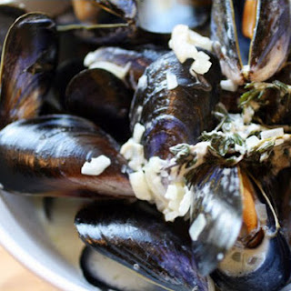 Creamy Mussels with Sauce Roquefort