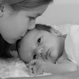 Harper and Amelia by Amanda Lassiter - Babies & Children Child Portraits