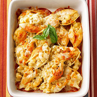 Cheesy Pasta-Stuffed Shells