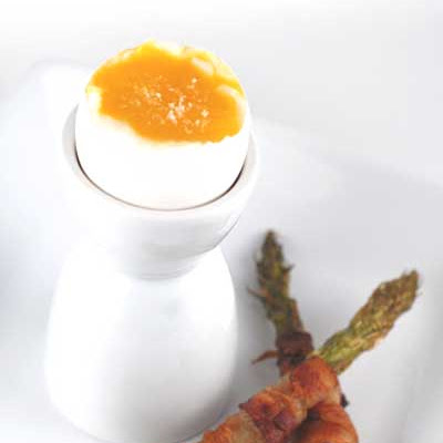 Gluten Free Bacon Asparagus Egg Soldiers