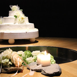 Cake by Neža Kompare - Wedding Details ( cake, food, wedding, flowers, ceremony )