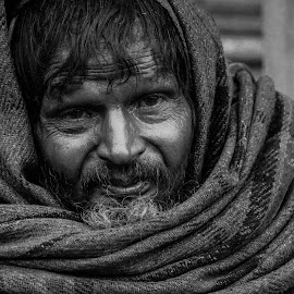 Cold day.... by Shirsendu Sengupta - People Portraits of Men