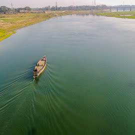 Beauty of Nature, Bangladesh by Topu Saha - People Street & Candids ( brahmaputra, waves, beautiful, boats, nature close up, boat, people, professional, bangladesh, nature, wave, mymensingh, river )
