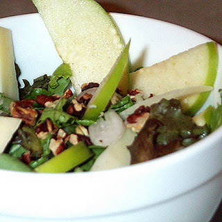 Green Salad with Autumn Fruit