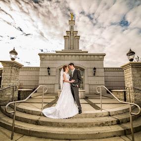 Colombia River Wedding by Glenn Pearson - Wedding Bride & Groom