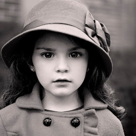 A girl in a hat by Darya Morreale - Babies & Children Child Portraits ( girl, beautiful eyes, portriat, coat, hat,  )