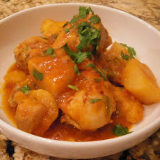 Chicken and Potatoes With Tomato Sauce (Pollo Sudado)