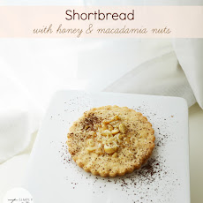 Shortbread with Macadamia Nuts and Honey