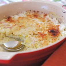 Classic Scalloped Potatoes with Thyme