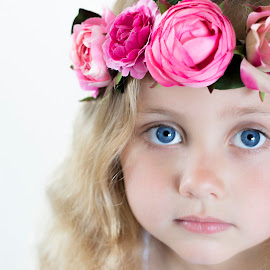 Innocence by Danielle Pedder - Novices Only Portraits & People ( sweet, girl, headband, innocence, children, beauty, close up, portrait, flower, eyes )