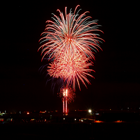 Airdrie Fireworks by Tommy  Cochrane - Public Holidays July 4th ( scotland, airdrie     scotland     lanarkshire. north lanarkshire     fireworks     bonfire night., bonfire. november 5th, guy fawkes, airdrie )
