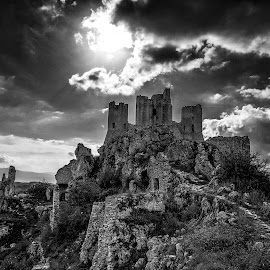 Rocca Calascio by Ivano Mancino - Landscapes Travel (  )