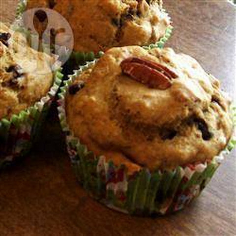 Low Fat Banana and Peanut Butter Muffins Recipe | Yummly