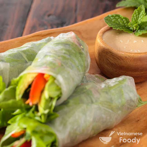 Vietnamese Spring Rolls with Orange-Almond Sauce