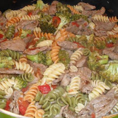 Pasta with Beef, Broccoli and Tomatoes