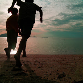Go away by Calvyn Soputra - People Portraits of Men ( calvyn, beach, run, sunlight, man )