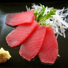 Tuna Sashimi with Daikon and Ginger