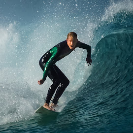 Focus by Ian DePledge - Sports & Fitness Surfing ( bronte beach, australia, 500mm, nsw, surf )