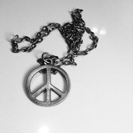 Hang Peace on you neck. by Refeim Miguel - Artistic Objects Clothing & Accessories ( metal, black and white, peace, accessories, necklace )