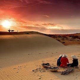 The sunrise on the sand dunes by Van Son - Landscapes Sunsets & Sunrises