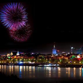 Fireworks in Warsaw, Poland by Marcin Frąckiewicz - Public Holidays New Year's Eve ( fireworks, warsaw, poland )