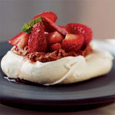 Meringues with Fresh Strawberries and Chocolate Mascarpone