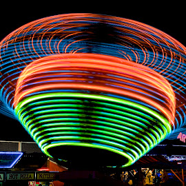 Flying Saucer by Roy Walter - Abstract Light Painting ( lights, ride, park, amusement park, slow motion )
