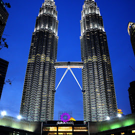 KLCC  by Chanyuhang Dennis - Buildings & Architecture Office Buildings & Hotels