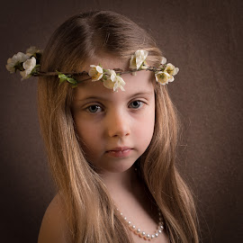 Flowers in her hair by Milou Krietemeijer-Dirks - Babies & Children Child Portraits