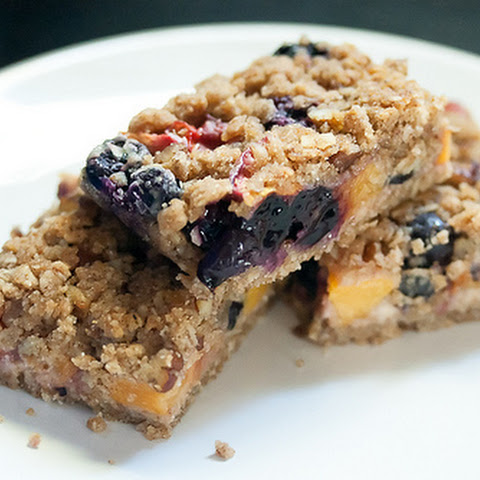 Quinoa, Oat and Pecan Blueberry-Peach Crumb Bars
