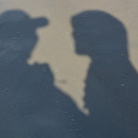 2 Shadows Chat by Aditya Kristianto - People Couples