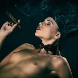 Smoke by Reto Heiz - Nudes & Boudoir Artistic Nude ( cigar, cylinder hat, topless, nudeportrait, partly nude, smoke )
