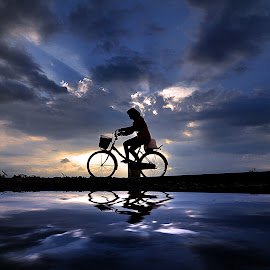 mulih by Indra Prihantoro - Transportation Bicycles ( sunset, bicycle )