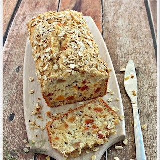 Pear and Oat Bread
