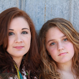 mother and daughter by Spacer Conrad - Novices Only Portraits & People ( pose, girl, mother, woman, daughter, portrait )