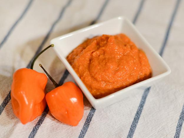 Roasted Carrot and Tomato Habanero Hot Sauce Recept | Yummly