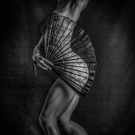 Nude with a fan by Nathalie Gemy - Nudes & Boudoir Artistic Nude ( body, woman curves, nude, black and white, body profile, fan )