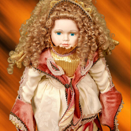 Broken, but still beautiful by David Salmon - Artistic Objects Antiques ( picture, doll, old doll, antique, portrait )