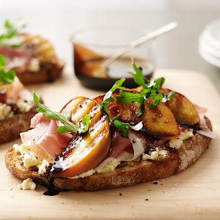Peach Bruschetta with Ricotta and Prosciutto