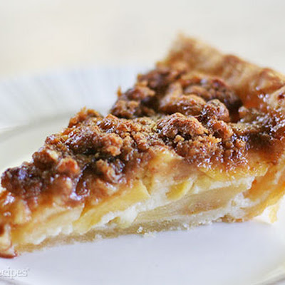 Sour Cream Apple Pie with Streusel Topping