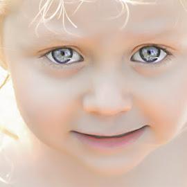 by Annie Doucet - Babies & Children Child Portraits