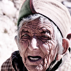 Wrinkles.......... by Rahul Aryan Roy - People Street & Candids