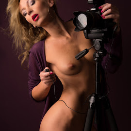 I love Nikon by Tomas Fensterseifer - Nudes & Boudoir Artistic Nude ( nude, low key, artistic nude, nikon )